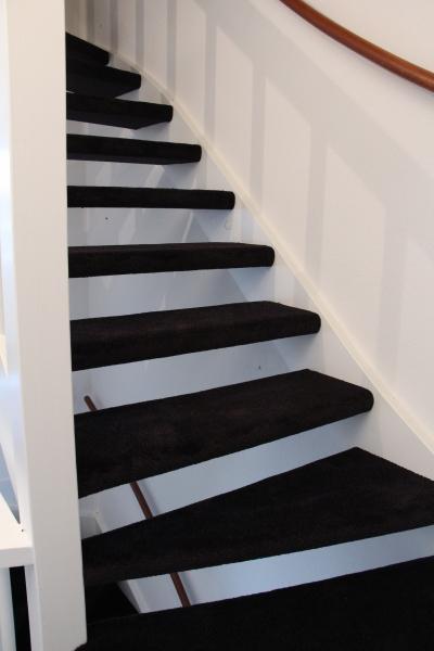 open trap gestoffeerd zonder zijkanten